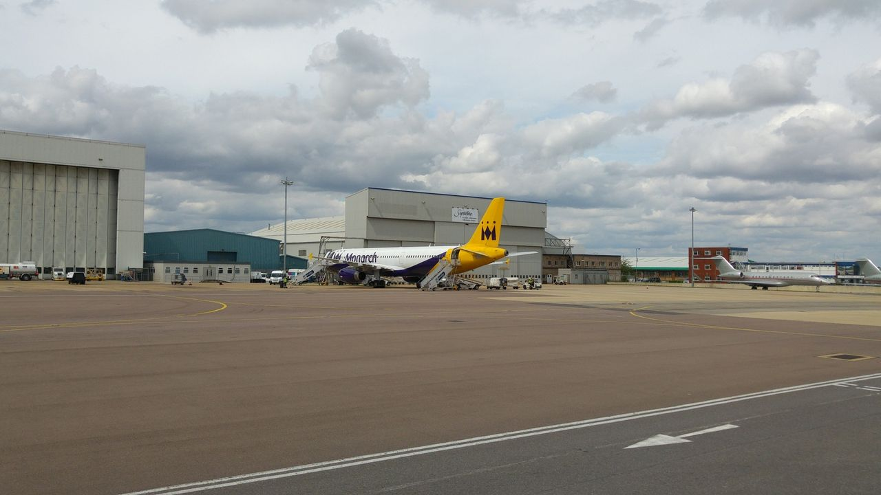 Review Of Monarch Airlines Flight From London To Tel Aviv